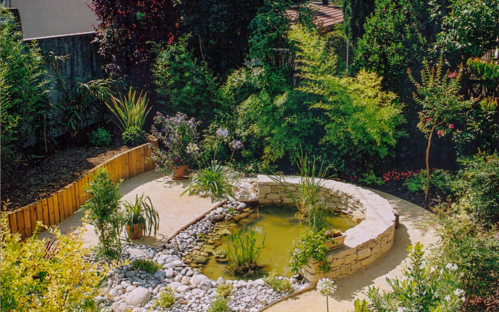 Bassins et fontaines valente - Amenagement bassin de jardin ...